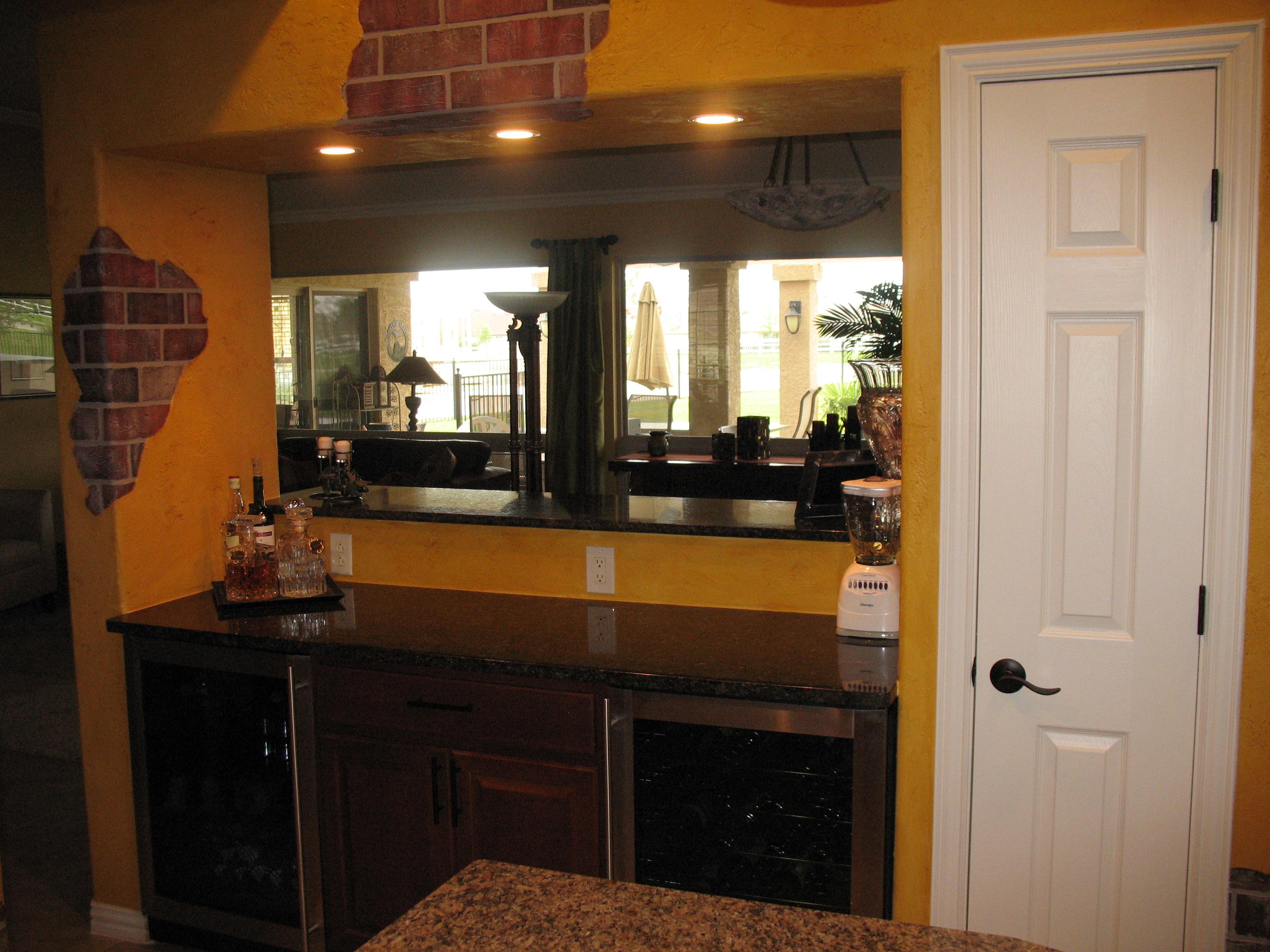 basements small bars and house designs kitchen for on area bar home design ideas best business pub closet decor basement
