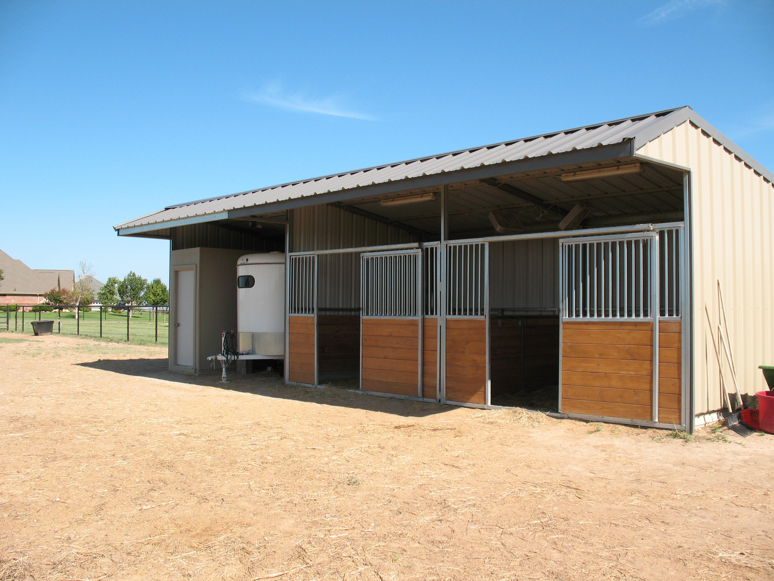 One stall horse barn plans for Plans for horse stables